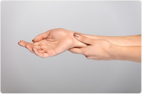 Douleur de main. Droit d