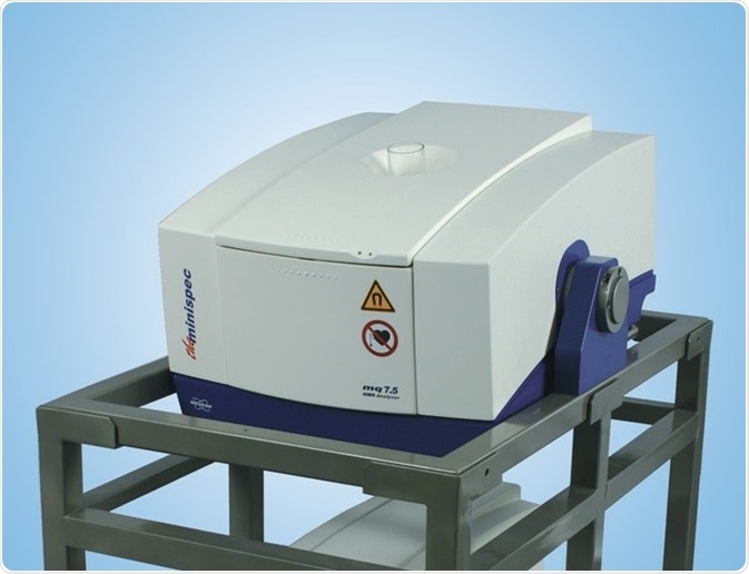 The minispec magnet on cart for vertical and horizontal access