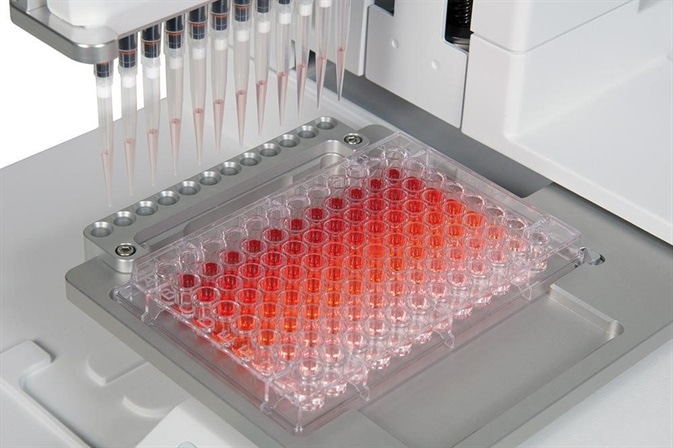 Automating a serial dilution on a 96 well plate with VIAFLO ASSIST.