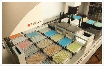 Typical deck layout for the Fluent compound management solution. Microplates can be stored up to six deep on one deck segment.