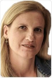 Ester Segal headshot