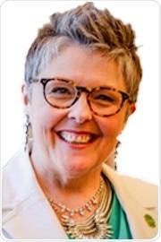 Dr. Michelle Peace headshot