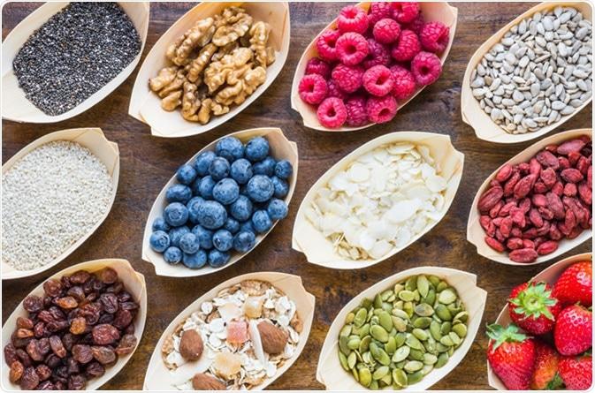 Frutta, bacche, noci - credito di immagine: Leonoria/Shutterstock
