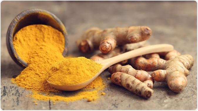 Turmeric powder and fresh turmeric - Image Credit: Tarapong Srichaiyos / Shutterstock
