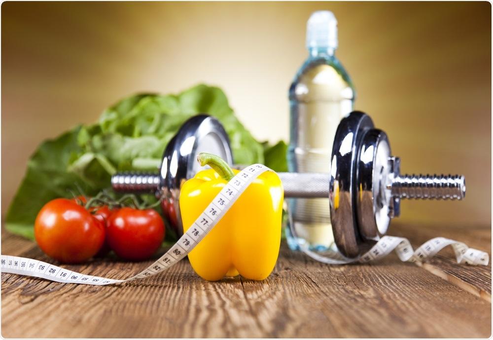 Os factores do estilo de vida incluem a dieta, o exercício, a entrada de água e a entrada de sal