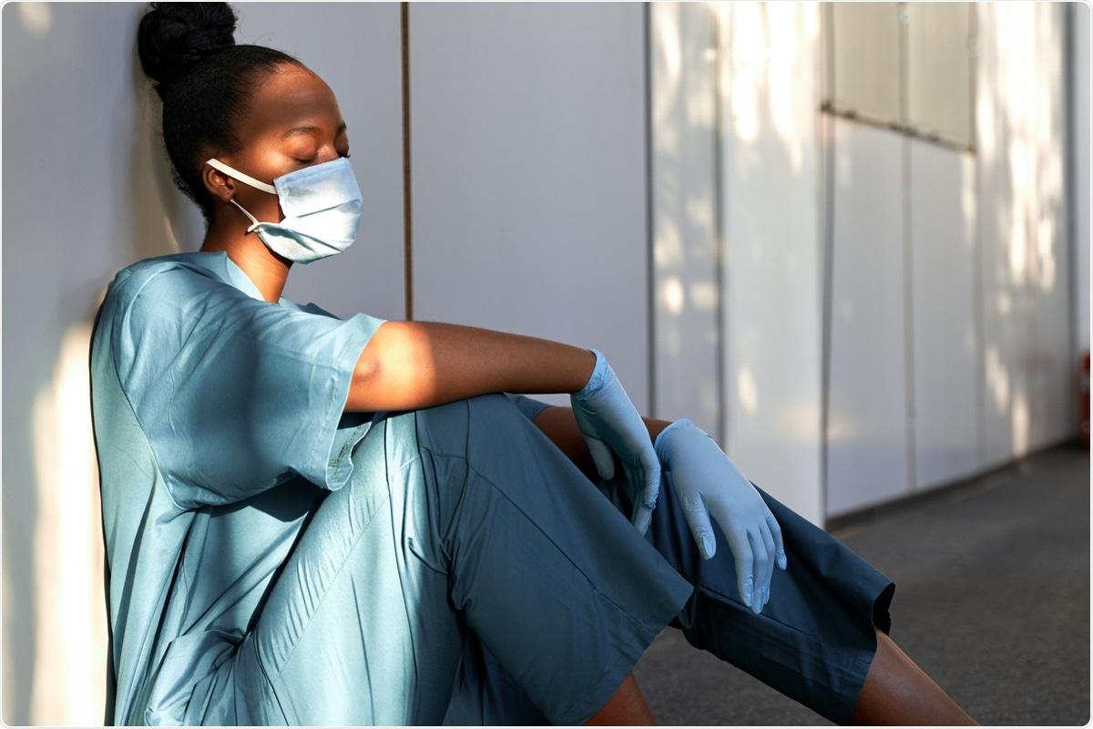 Étude : Le choc de fonctionner pendant la pandémie Covid-19 sur des professionnels de la santé et des premiers répondeurs : santé mentale, fonctionnement, et assemblage professionnel. Crédit d