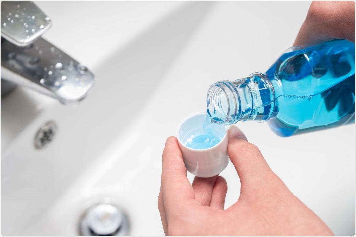Исследование: жидкости для полоскания рта, содержащие цетилпиридиния хлорид, снижают инфекционность SARS-CoV-2 in vitro.  Кредит изображения: Джу Чжэ Ён / Shutterstock
