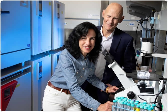 From left: Concepcion Rodriguez Esteban and Juan Carlos Izpisua Belmonte. Image Credit: Salk Institute