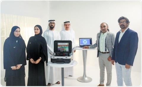 Les EAU développent la technologie basée sur le laser pour plus rapidement, examen critique de coronavirus de masse-écaille