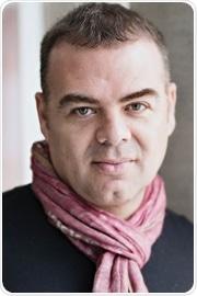 Professor Guillermo Montoya