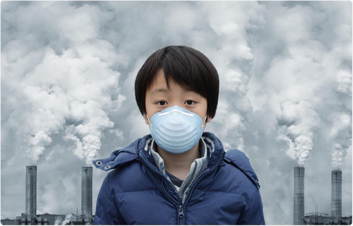 Poluição do ar, transmissão SARS-CoV-2, e resultados COVID-19: Uma revisão da estado---ciência de uma área de pesquisa em rápida evolução. Crédito de imagem: Chung pendurado Chih/Shutterstock