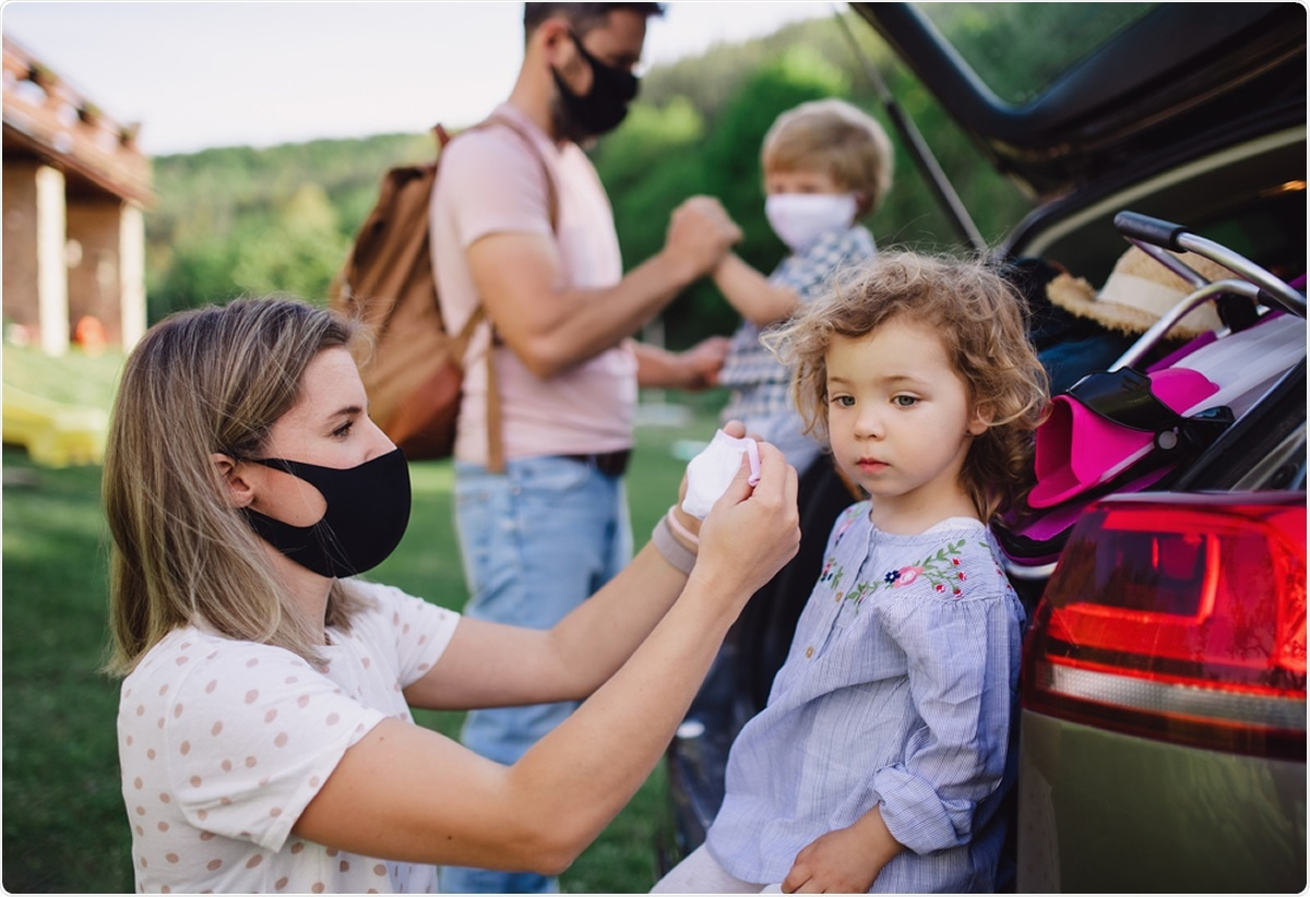 Study: SARS-CoV-2 infection in households with and without young children: Nationwide cohort study. Image Credit: Halfpoint / Shutterstock