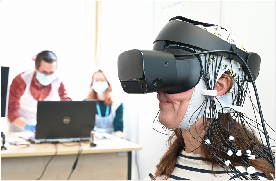 Researchers explore virtual reality technology for treating chronic pain
