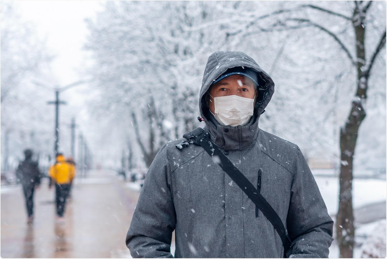 Estudio: La presencia a largo plazo de SARS-CoV-2 en las superficies de envasado de alimentos de la cadena de frío indica un nuevo brote de invierno de COVID-19: una mini revisión.  Haber de imagen: Afanasiev Andrii / Shutterstock