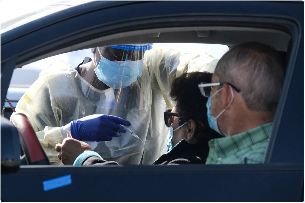 Estudio: Vacunación COVID-19 en California: ¿Somos equitativos todavía ?.  Haber de imagen: Ringo Chiu / Shutterstock