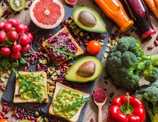Plant-based and fish-based diets reduce the odds of severe COVID-19