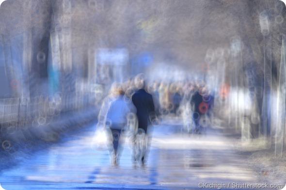 Blurred crowd of people - Kichigin