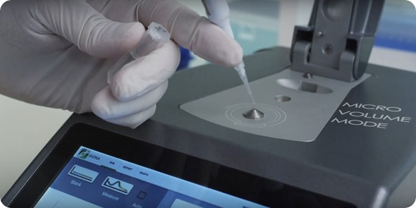 microvolume UV-Vis spectrophotometry