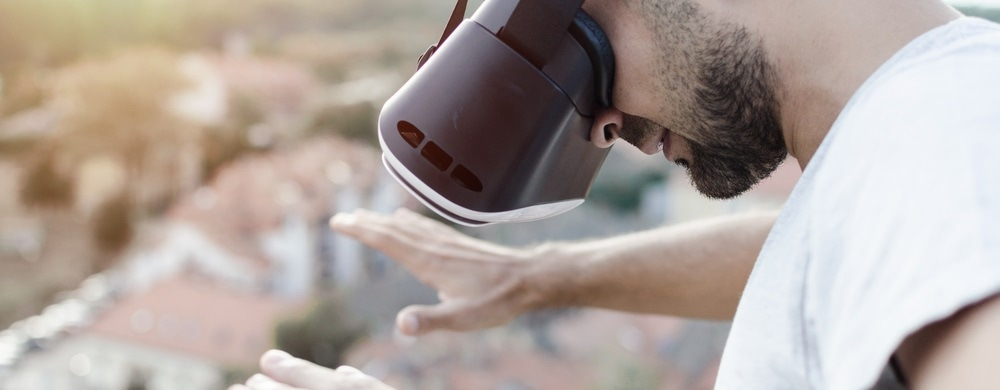 Virtual reality could offer psychotherapy for fear of heights, study shows