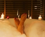 A bath 90 minutes before bedtime best for a good night's sleep, experts say