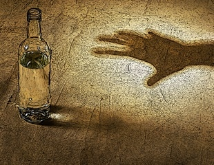 Daily alcohol consumption ages brain
